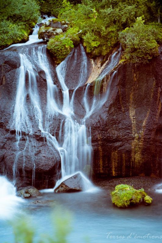 Iceland cascade hraunfrausar